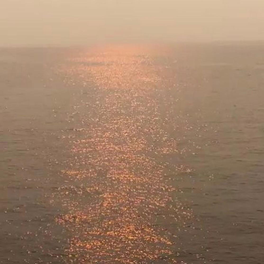 water-sparkle-marine-sunset.jpg
