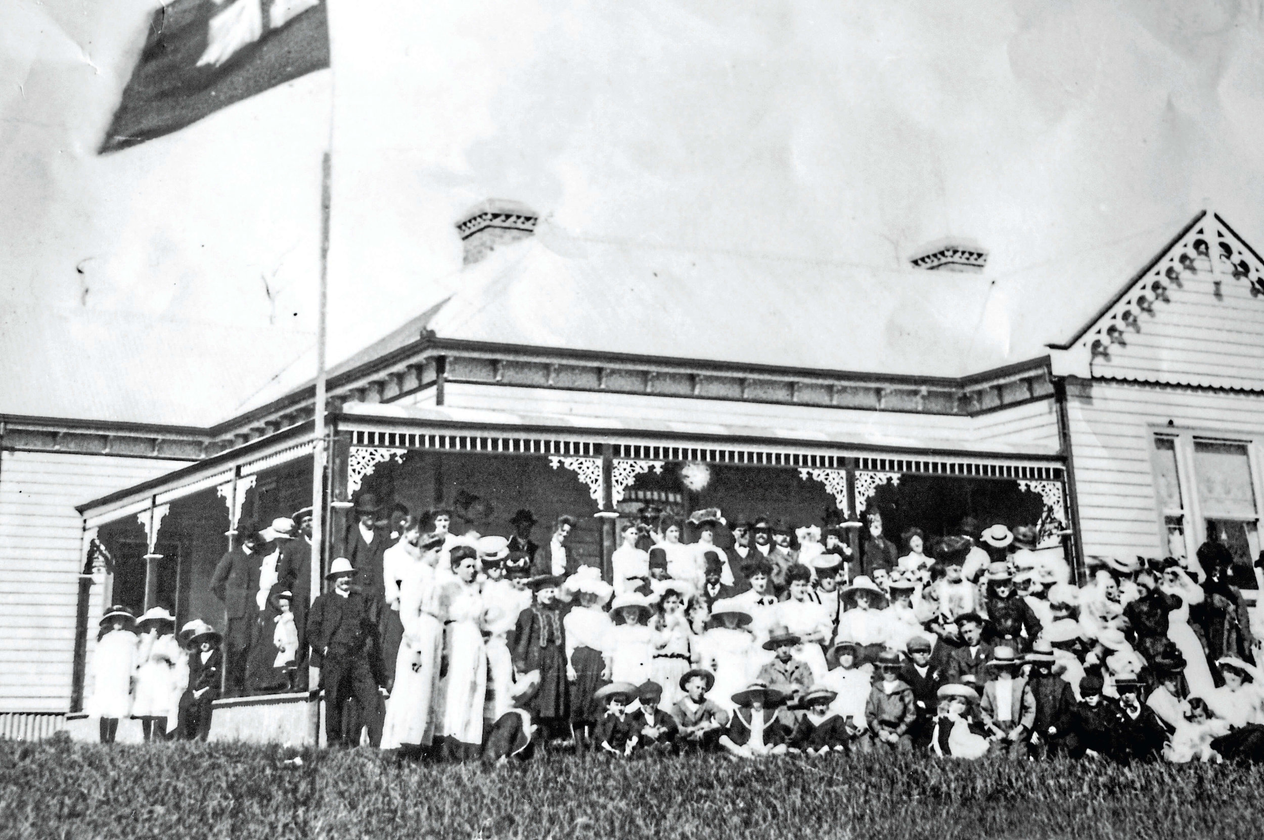 • The Springfield Hospital on opening day in 1907.