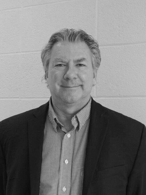 Denis Pelletier - Délégué commerial chez Hydro-QuébecPassionné de marketing B2B, il a développé des stratégies d'impacts pour rejoindre les clients Affaires sur le marché de l'électricité en Amérique du Nord depuis plus de 30 ans. Les 10 dernières années, il a démarché au Québec les grands consommateurs afin de les aider à mieux gérer leur consommation d'énergie en vulgarisant les concepts reliés à l'efficacité énergétique, la gestion de la pointe et l'optimisation des tarifs. Il s'est joint à l'équipe des projets spéciaux depuis quelques mois afin de continuer sa mission d'aider le plus grand nombre possible d'entreprises à améliorer leur compétitivité par l'utilisation d'une énergie propre, renouvelable et des plus compétitives.