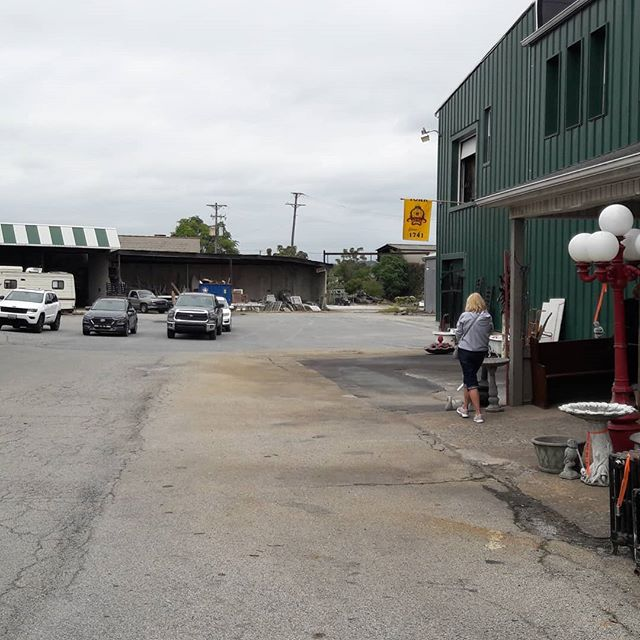 Parking lot full all day today. At Refindings,  Cool Cat Vintage, and Circa Antiques York.