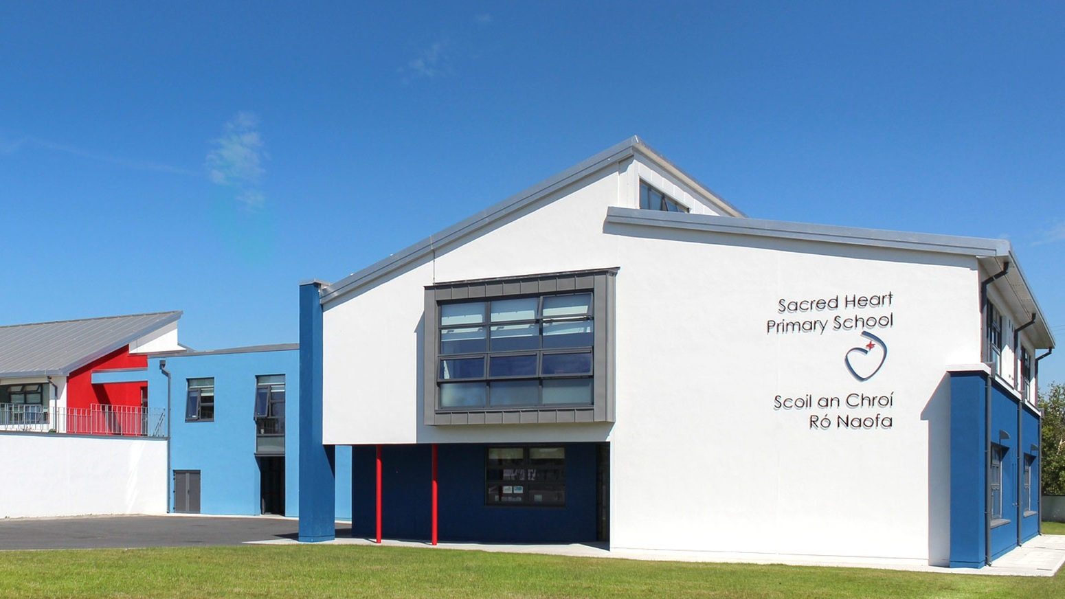 MCOH Architects Sacred-Heart-Primary-School-01_sfw.jpg