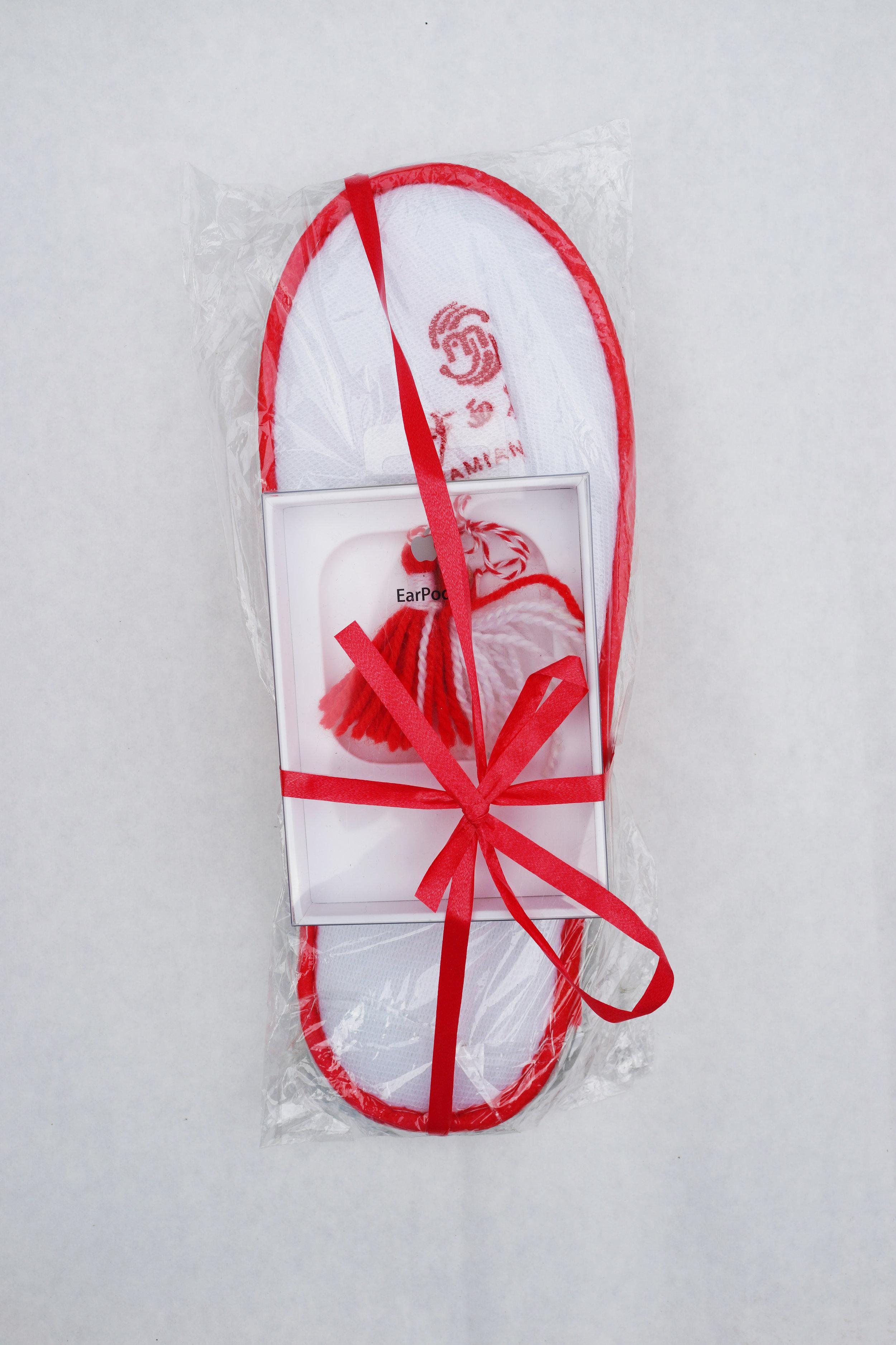 Bozhkov,daniel,pendant_slippers.jpg