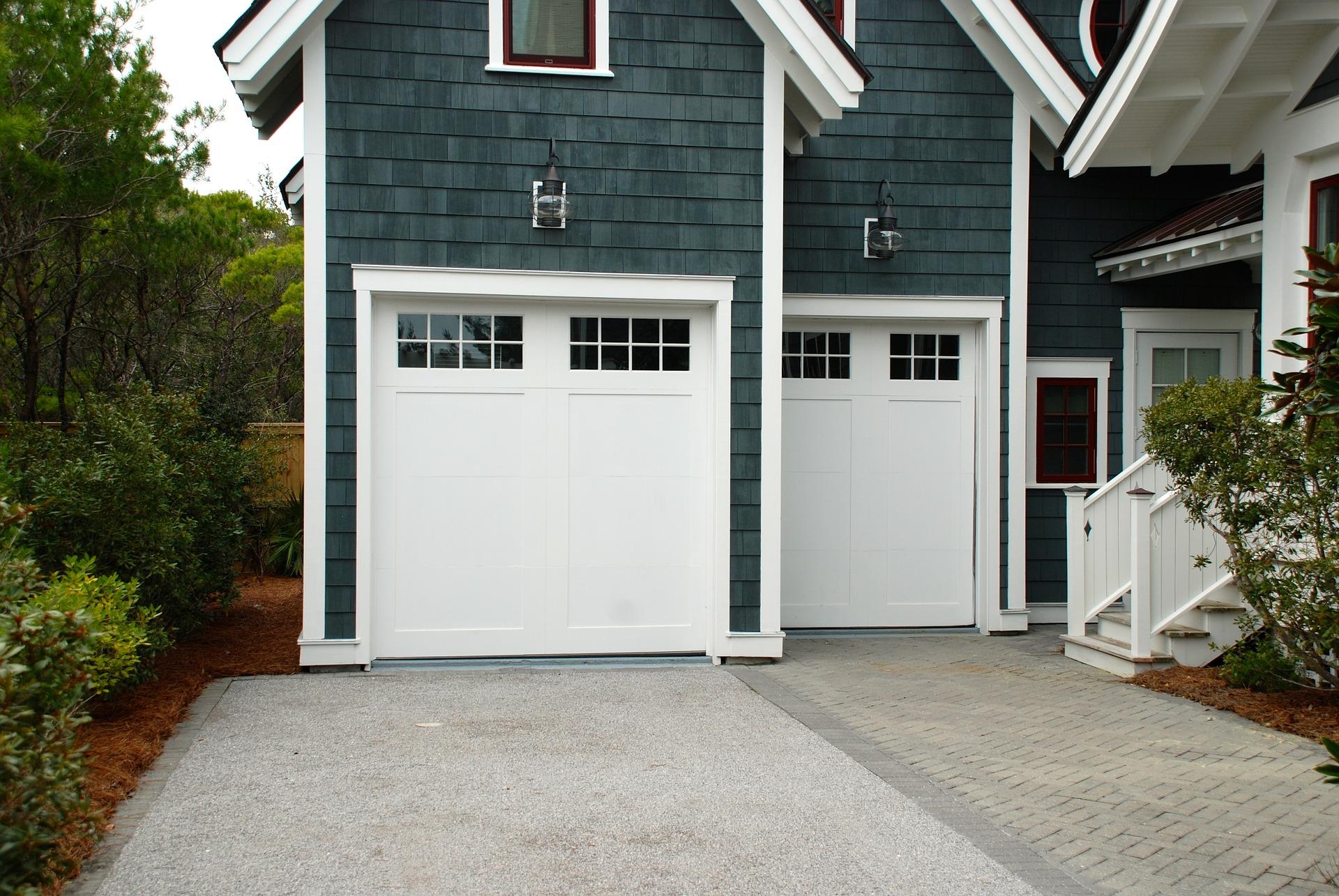 GARAGE_DOORS_JobPro_Insulation_SprayFoam.jpg