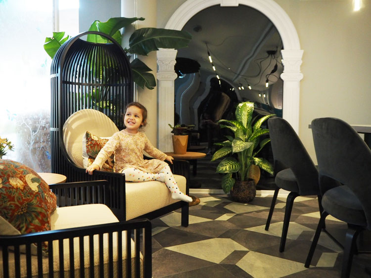 Cloud 12   Members' club for families with a crèche, salons and fitness classes – an immersive experience for both parents and kids