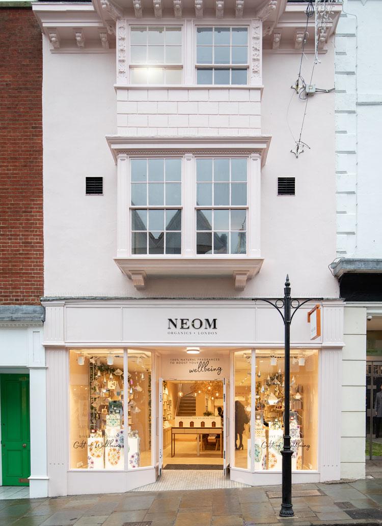 Neom Guildford Caulder Moore