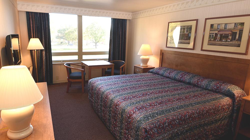 Roosevelt Inn - King Room
