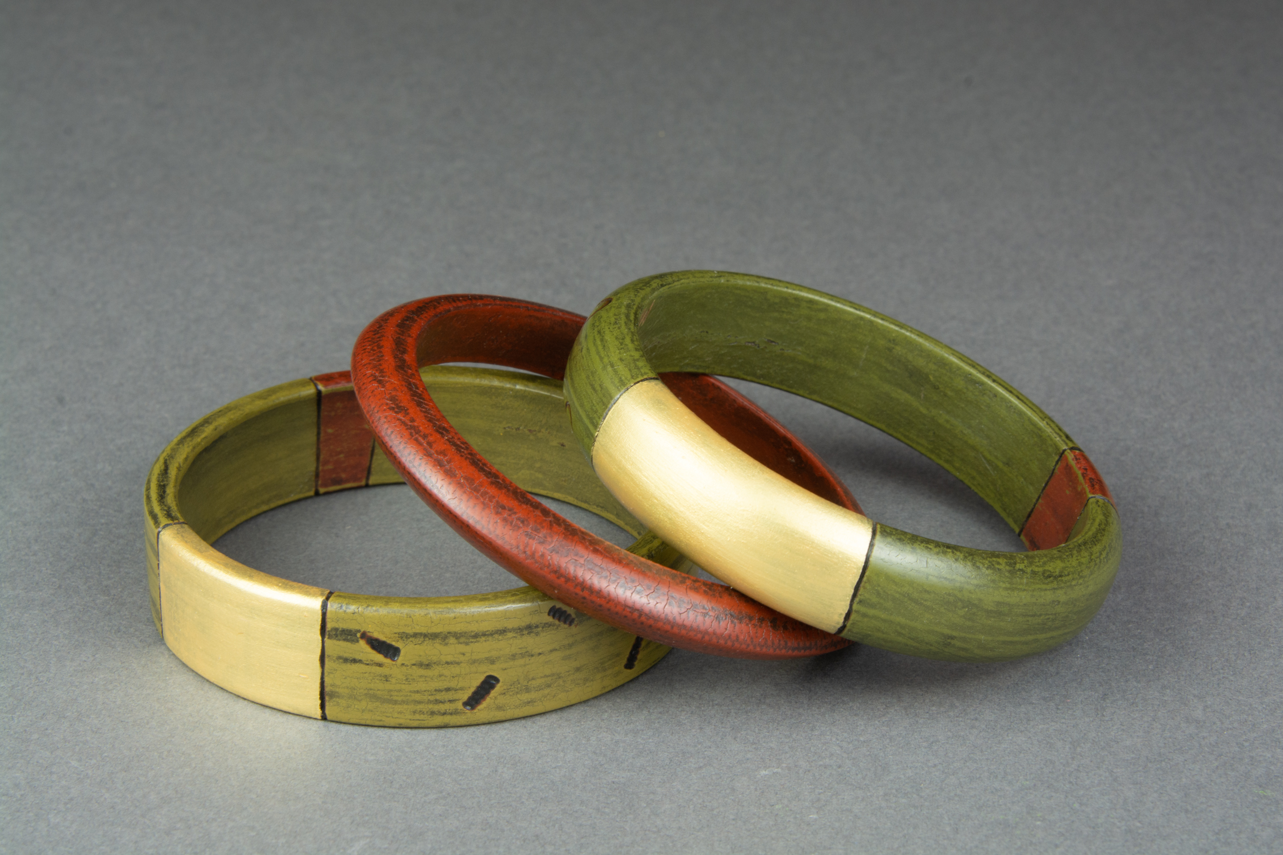 Gilded Olive Green & Red Bangle Trio