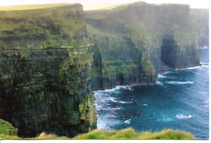 Cliffs_of_mohr_-680-exp.jpg