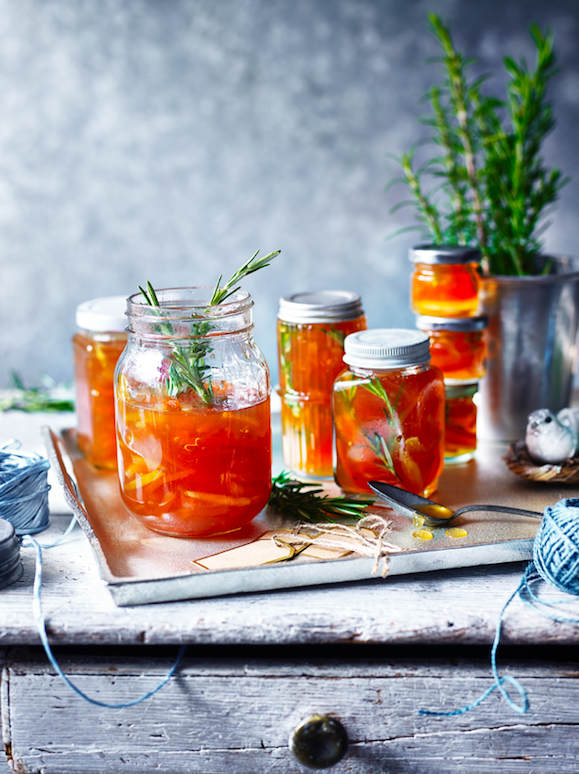 Gin and tonic marmalade with rosemary