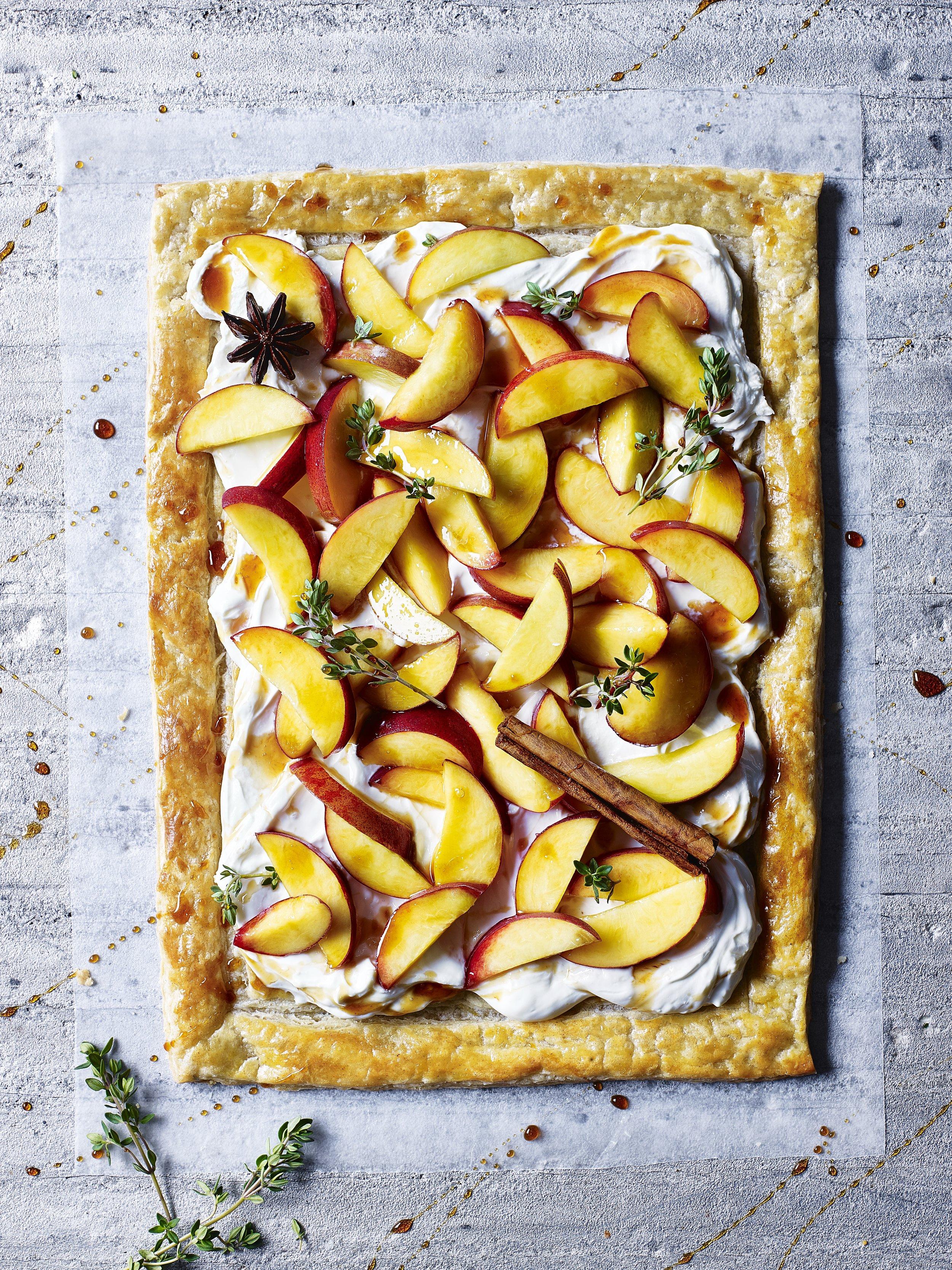 Peach and mascarpone tart