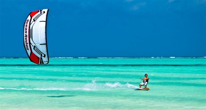 jeremie-tronet-zanzibar-ocean-rodeo-razor-kite-and-jt-pro-2011-13-710x379.jpg