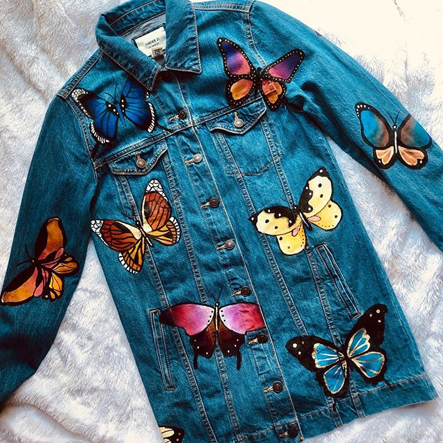 custom butterfly jacket🦋 if you're interested in ordering a custom painted jacket check out my story highlight I have pinned in my bio for prices and details!