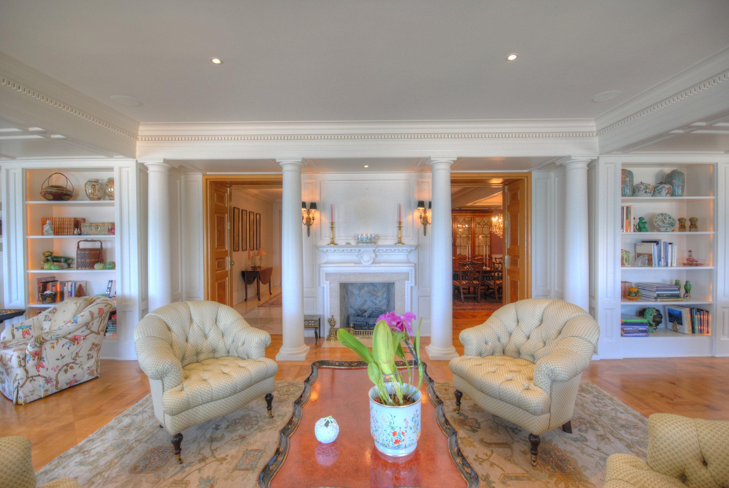 5. Living Room.jpg