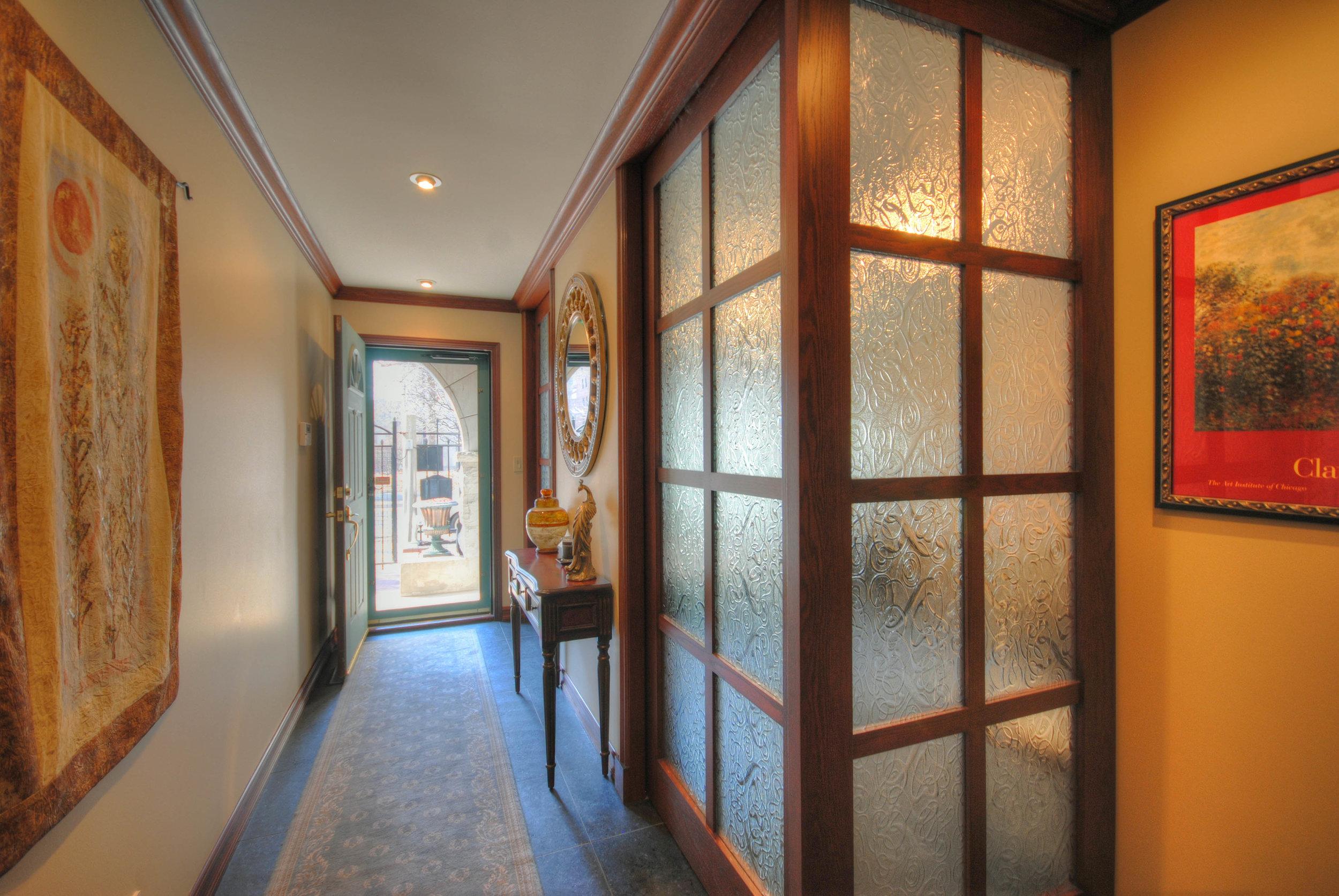 2. Foyer.jpg