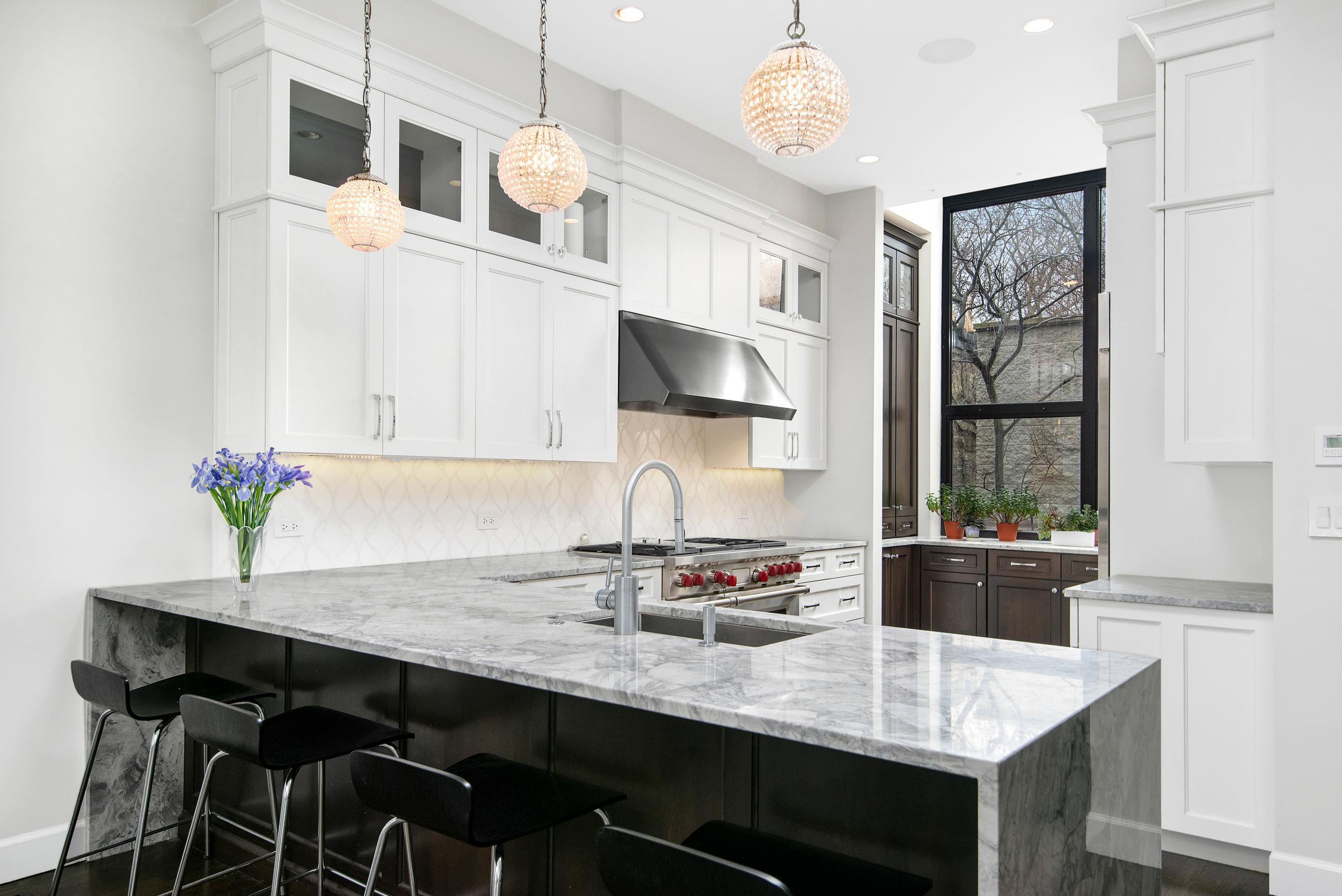11. Kitchen_edit.jpg