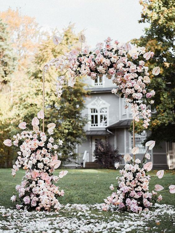 Lovely Pink - https://www.pinterest.ca/pin/247205467030598378/