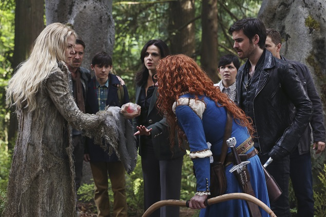 OUAT  Season 5, episode 1: Emma Swan (Jennifer Morrison) rips Merida's (Amy Mason) heart out as she battles the darkness growing inside her in her family's presence. Photo Credit: ABC/Jack Rowand.