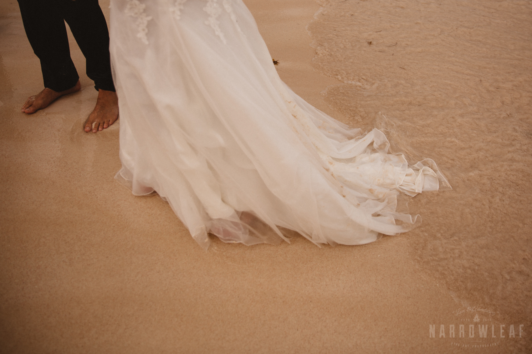 punta-cana-dominican-republic-destination-wedding-beach-ocean-bridal-portraits-7124.jpg