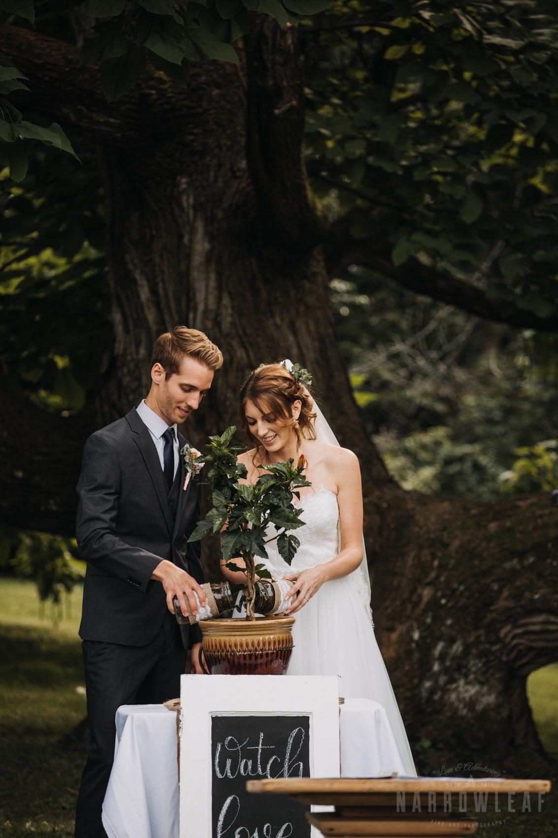 the-hilltop-wi-summer-outdoor-tree-wedding-307.jpg