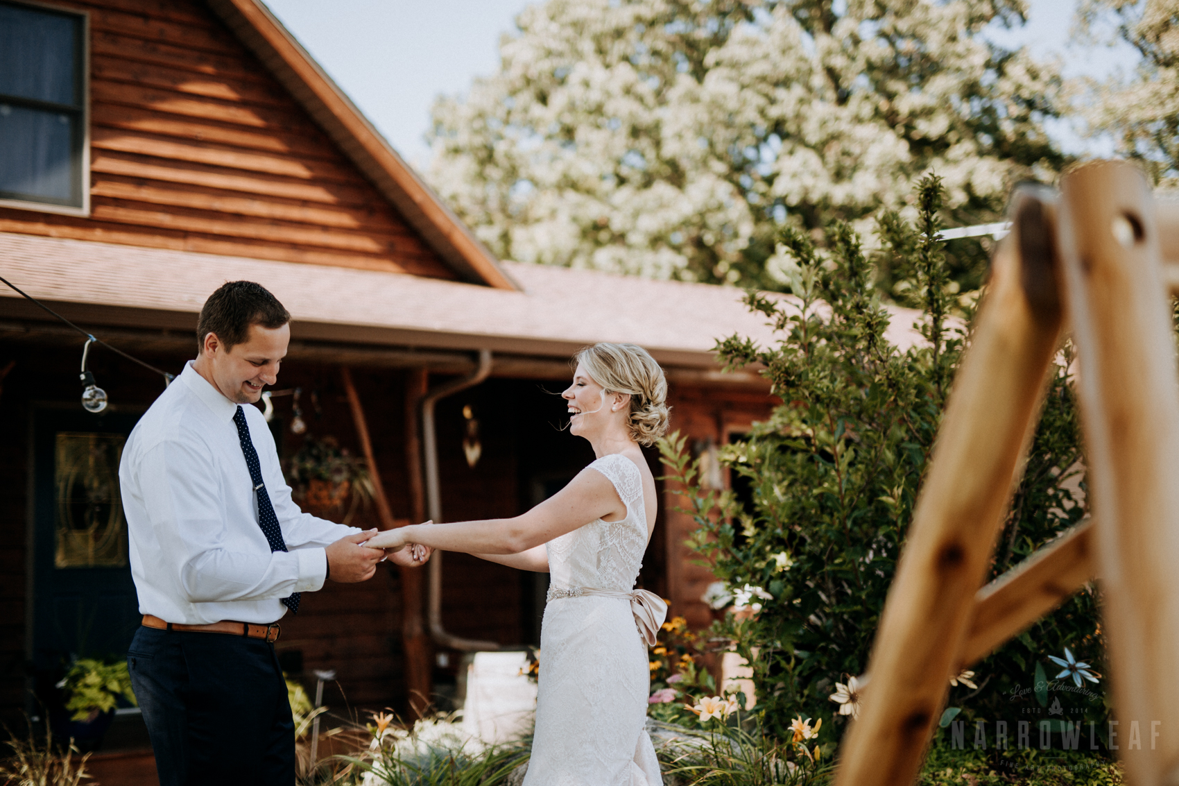 farm-wedding-first-look-in-south-haven-mn-32.jpg