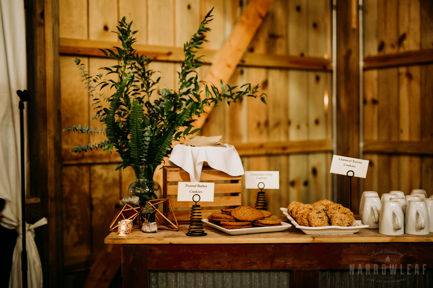 woodsy-styled-wi-wedding-cake-dessert-table-4.jpg