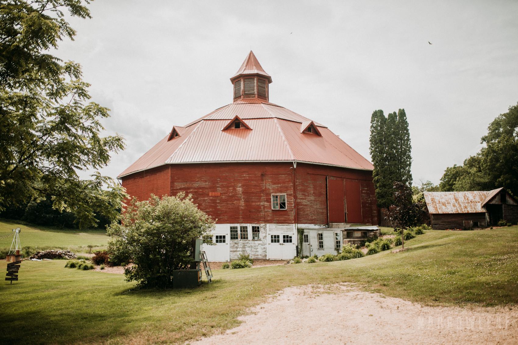 classy-wedding-details-the-hidden-meadow-and-barn-pepin-wi-13.jpg
