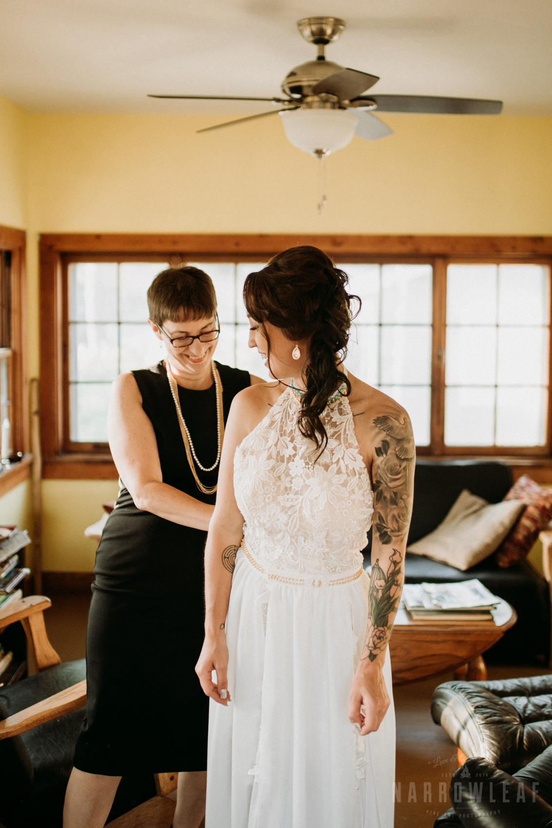 minnesota-outdoor-wedding-elopement-NarrowLeaf_Love_&_Adventure_Photography-4.jpg