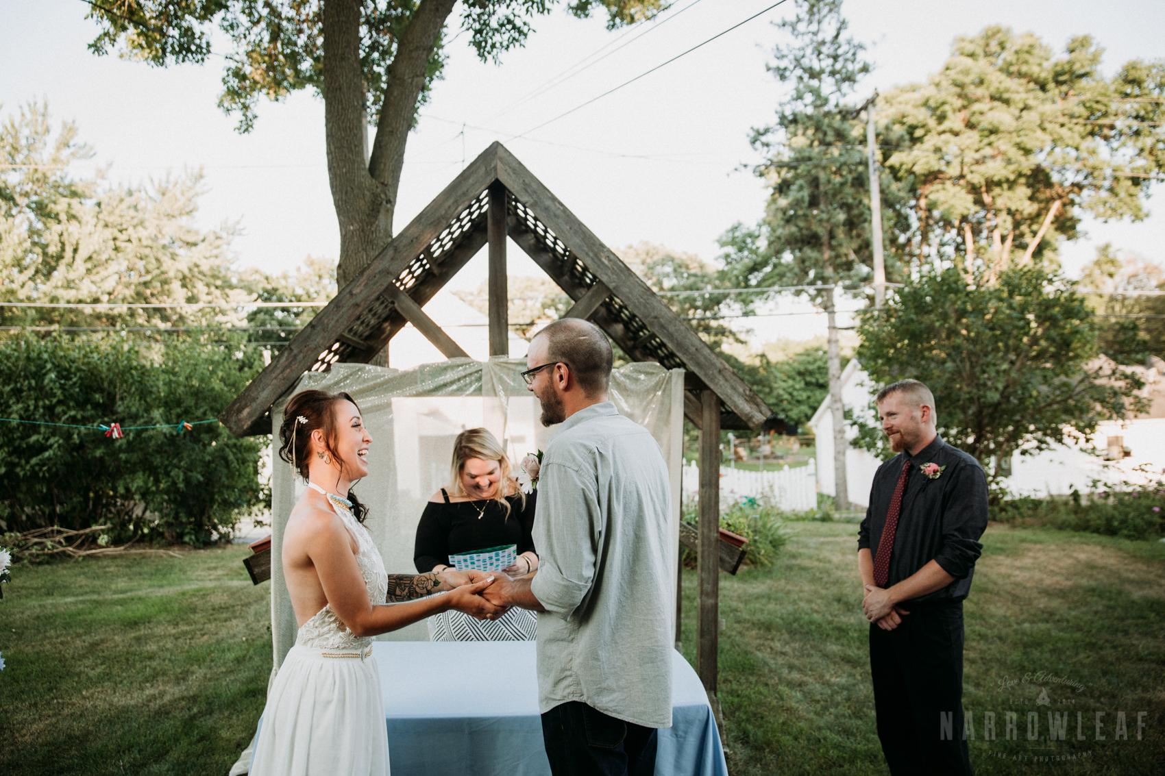 minnesota-outdoor-wedding-elopement-NarrowLeaf_Love_&_Adventure_Photography-14.jpg