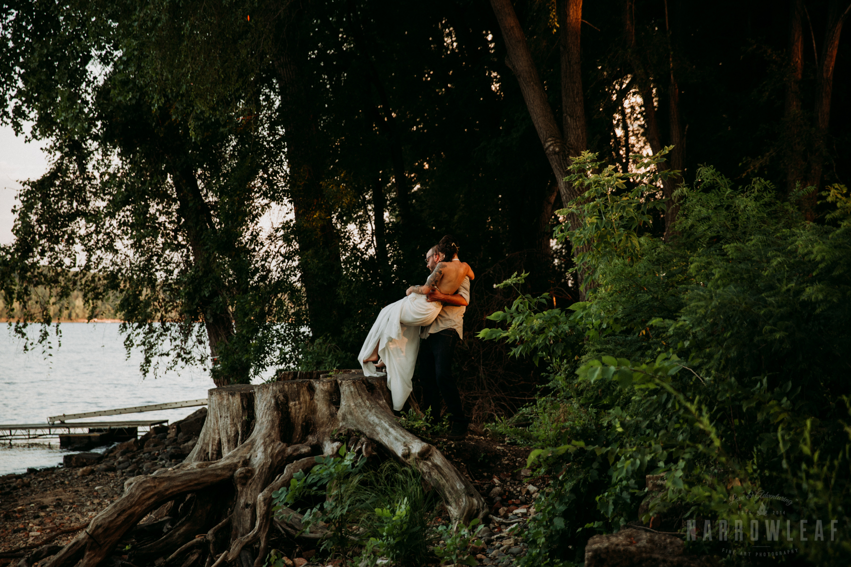 minnesota-outdoor-wedding-elopement-NarrowLeaf_Love_&_Adventure_Photography-21.jpg