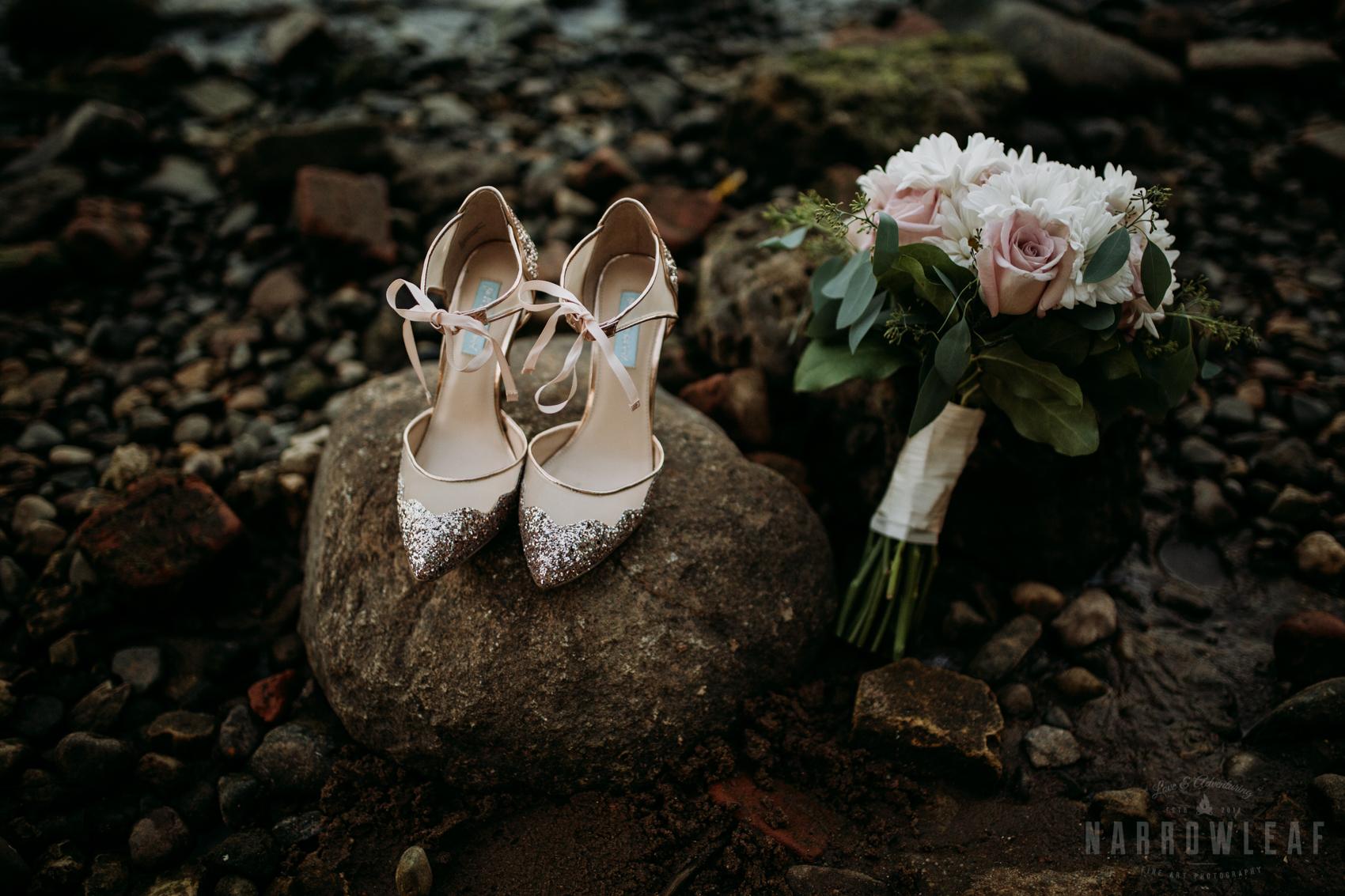 minnesota-outdoor-wedding-elopement-NarrowLeaf_Love_&_Adventure_Photography-32.jpg