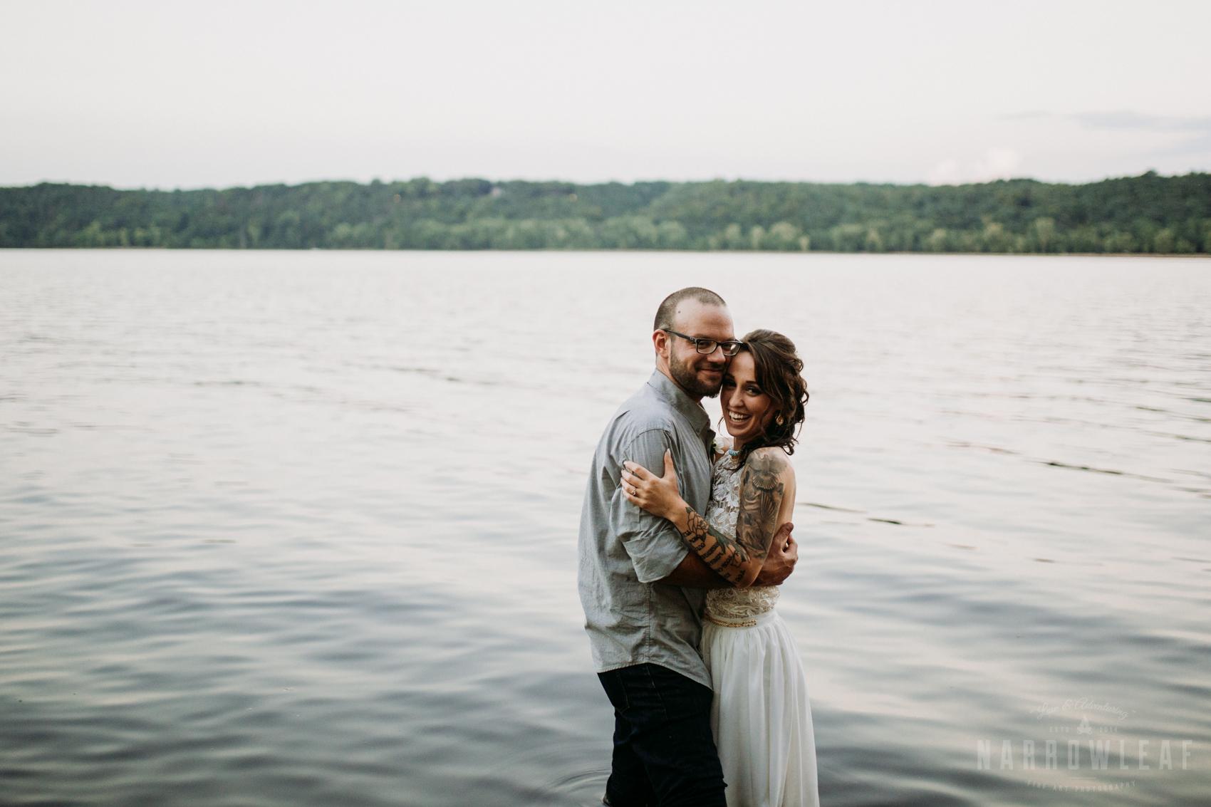 minnesota-outdoor-wedding-elopement-NarrowLeaf_Love_&_Adventure_Photography-45.jpg