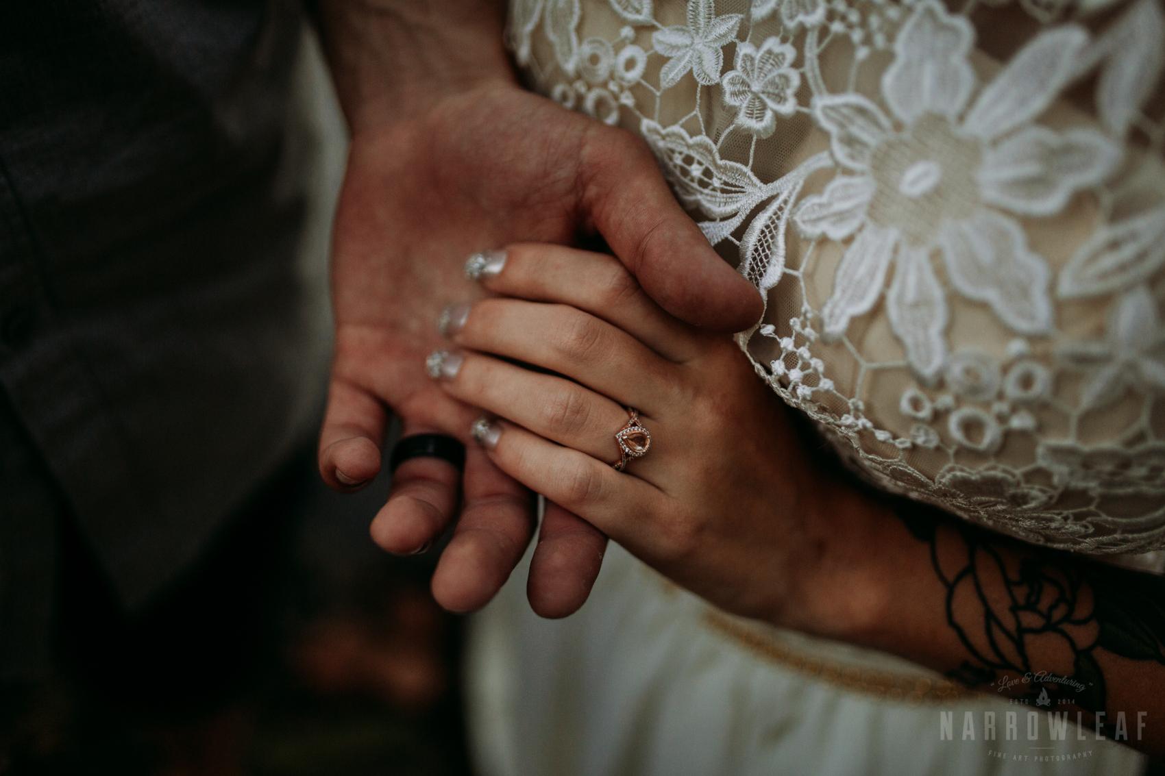 minnesota-outdoor-wedding-elopement-NarrowLeaf_Love_&_Adventure_Photography-55.jpg
