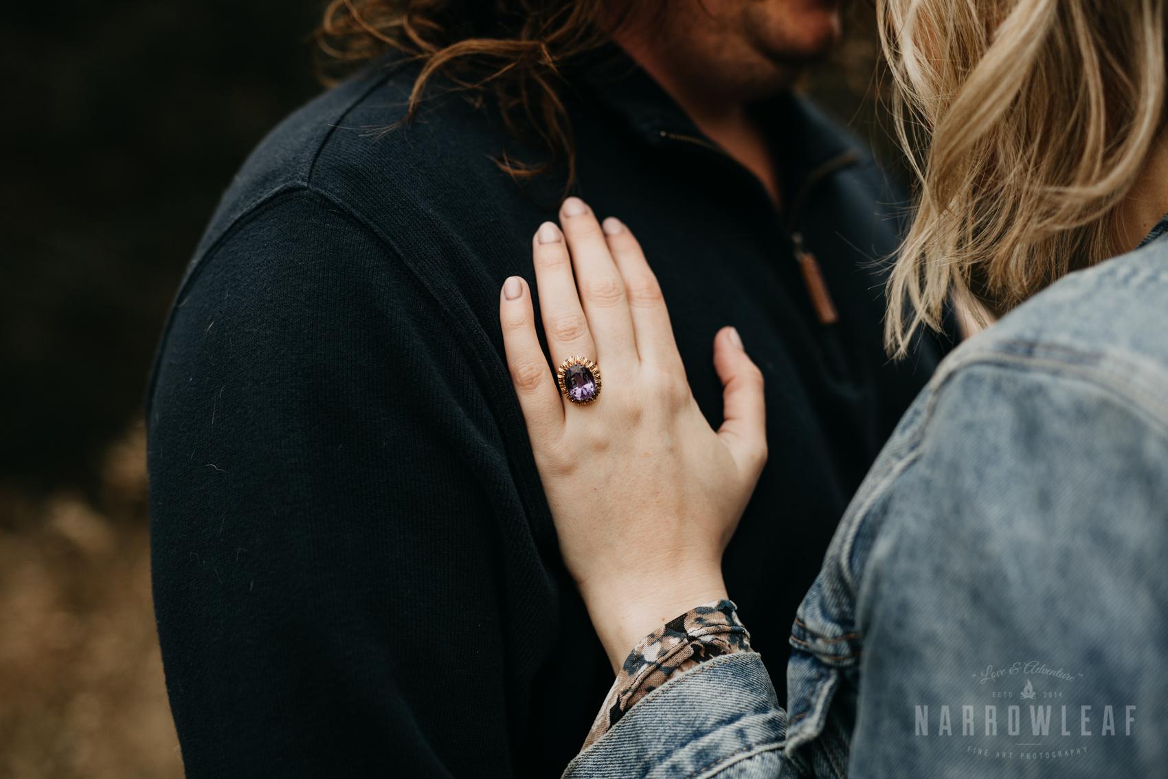 fall-engagement-couple-photos-prescott-wi-narrowleaf-photography-16.jpg