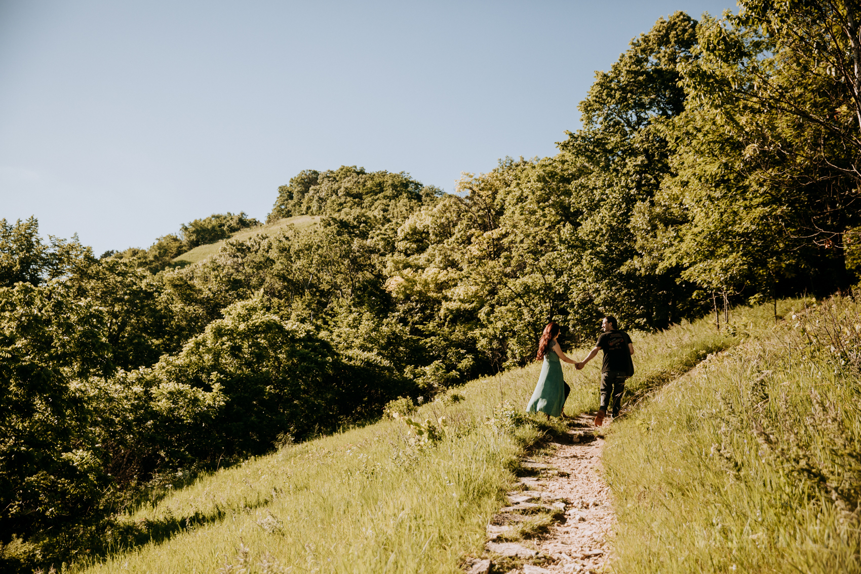 Perrot-state-park-woodsy-engagement-NarrowLeaf-love-and-adventure-Photography-5.jpg