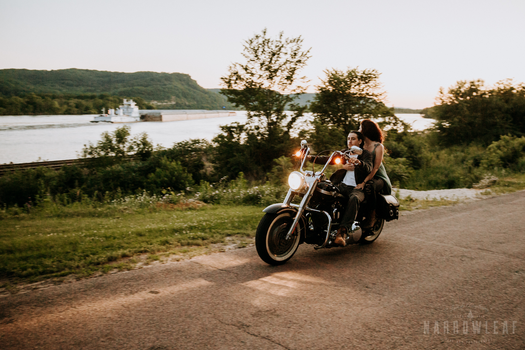 Trempealeau-wi-moody-engagement-motorcycle-NarrowLeaf-love-and-adventure-Photography-13.jpg