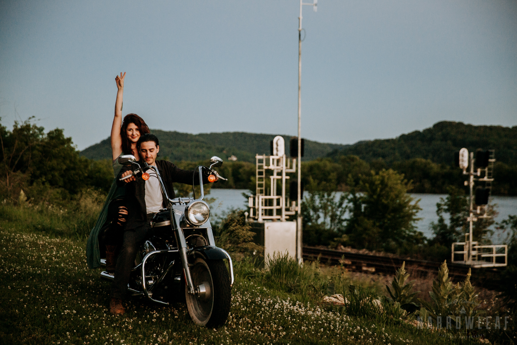 Trempealeau-wi-moody-engagement-motorcycle-NarrowLeaf-love-and-adventure-Photography-14.jpg
