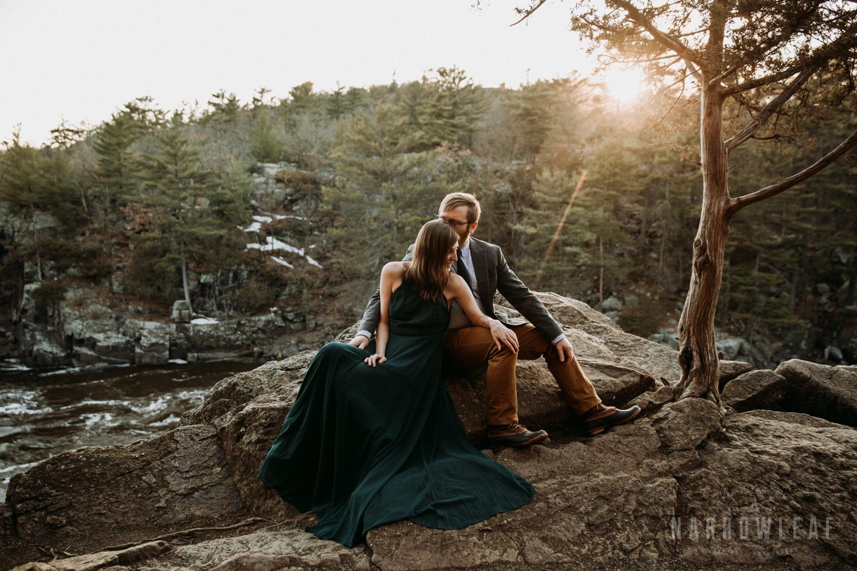 Spring-moody-wisconsin-woodsy-elopement-NarrowLeaf_Love_&_Adventure_Photography-9026.jpg