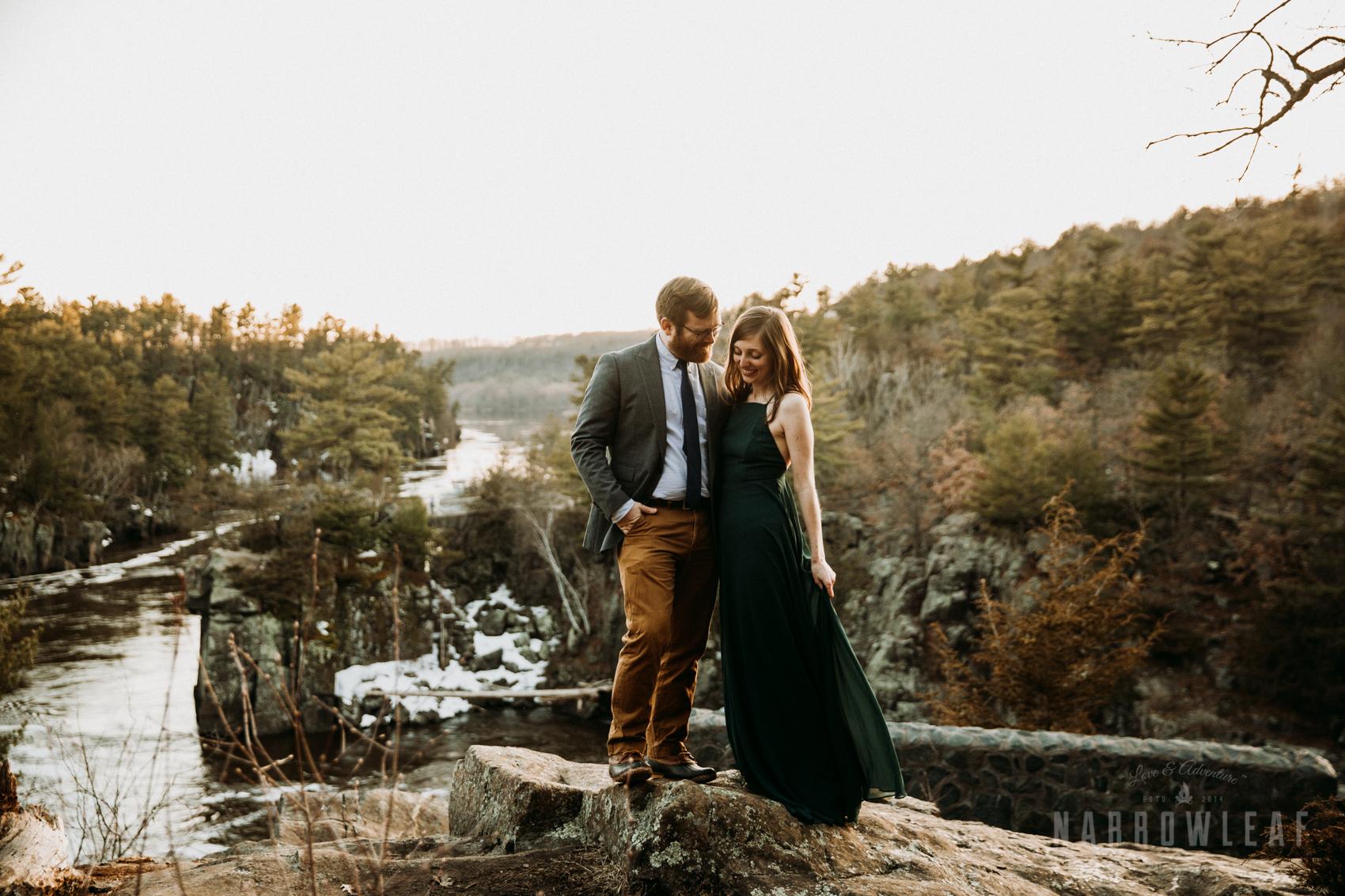 Spring-moody-wisconsin-woodsy-elopement-NarrowLeaf_Love_&_Adventure_Photography-9201.jpg