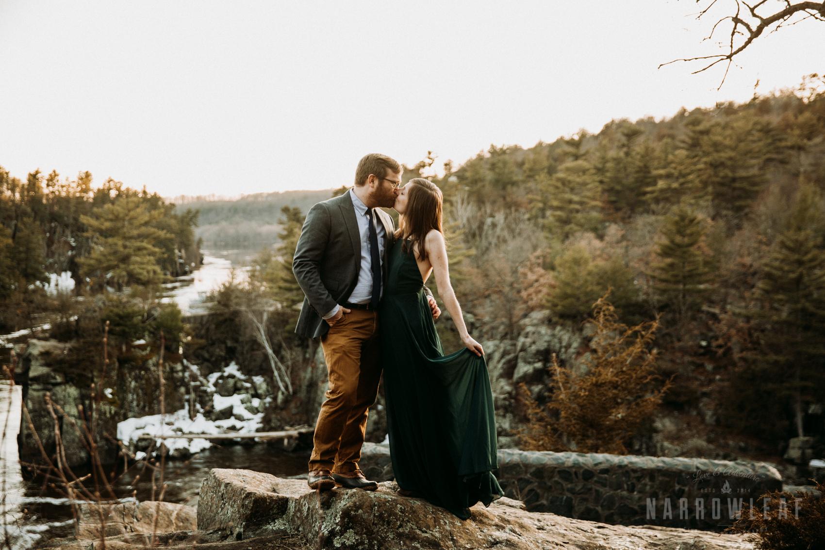 Spring-moody-wisconsin-woodsy-elopement-NarrowLeaf_Love_&_Adventure_Photography-9228.jpg