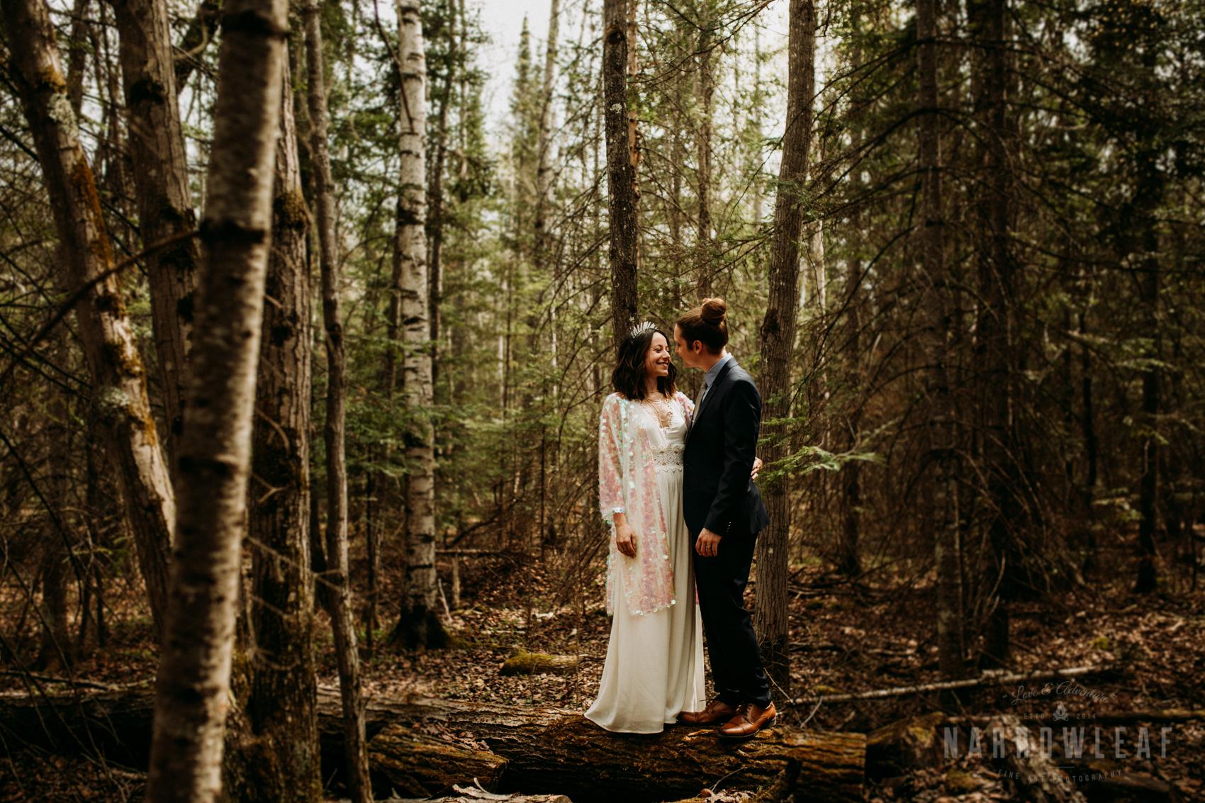 moody-lake-superior-hiking-adventure-elopement-NarrowLeaf-Photography-6262.jpg