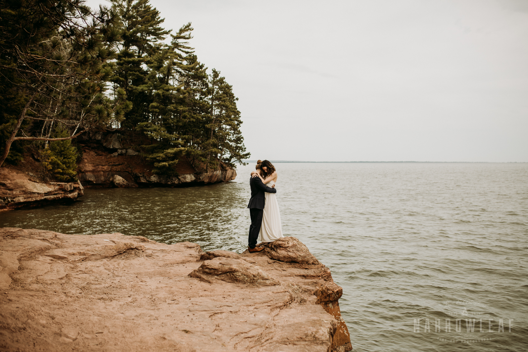 moody-lake-superior-hiking-adventure-elopement-NarrowLeaf-Photography-7255.jpg