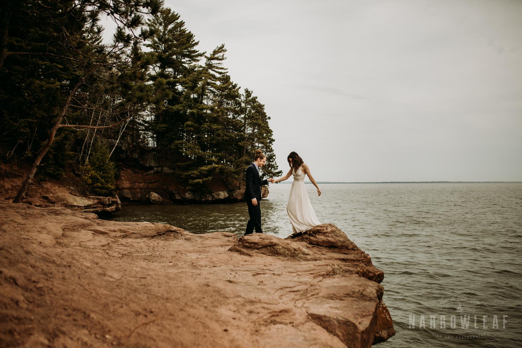 moody-lake-superior-hiking-adventure-elopement-NarrowLeaf-Photography-7260.jpg