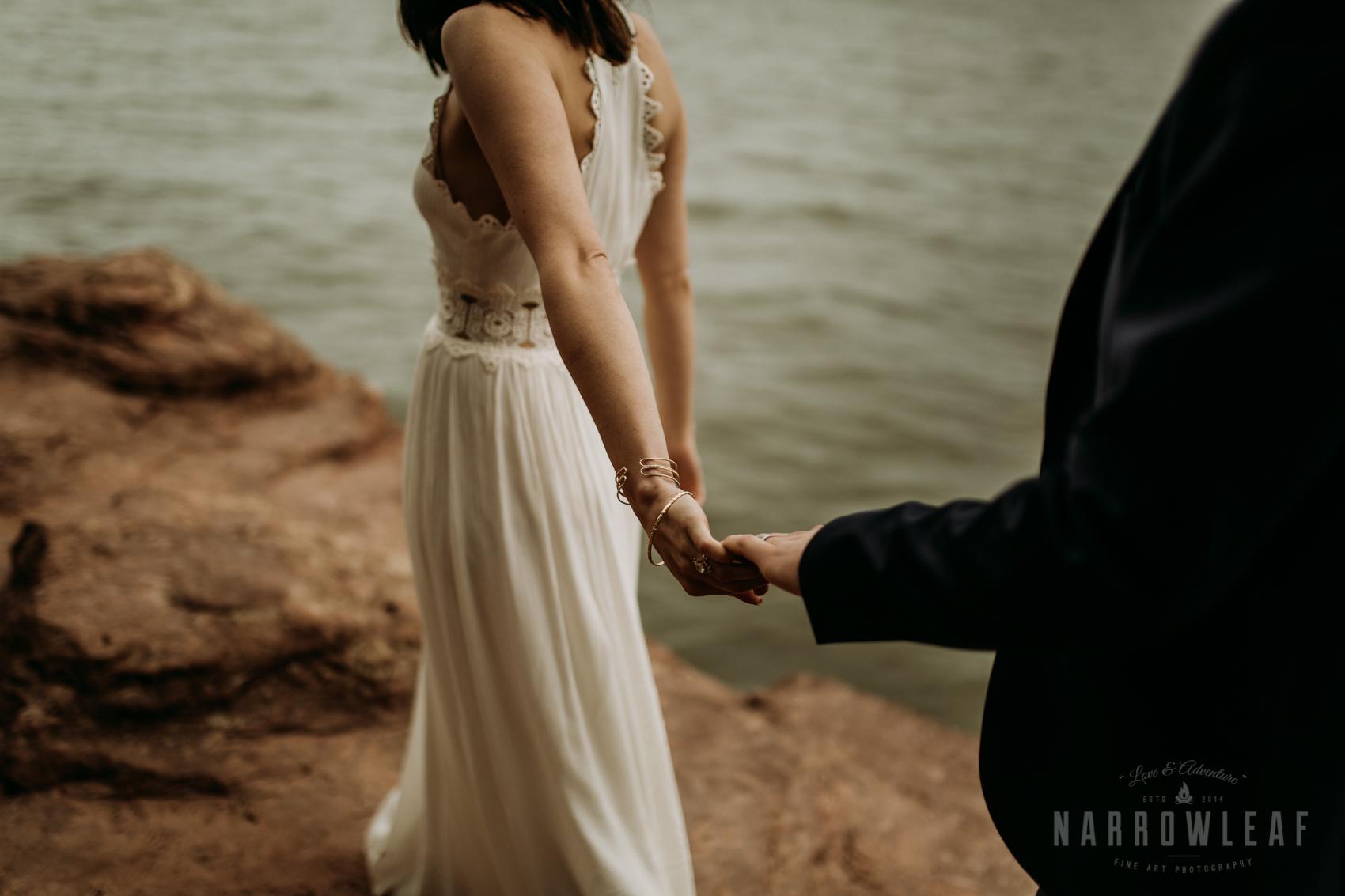 moody-lake-superior-hiking-adventure-elopement-NarrowLeaf-Photography-7326.jpg