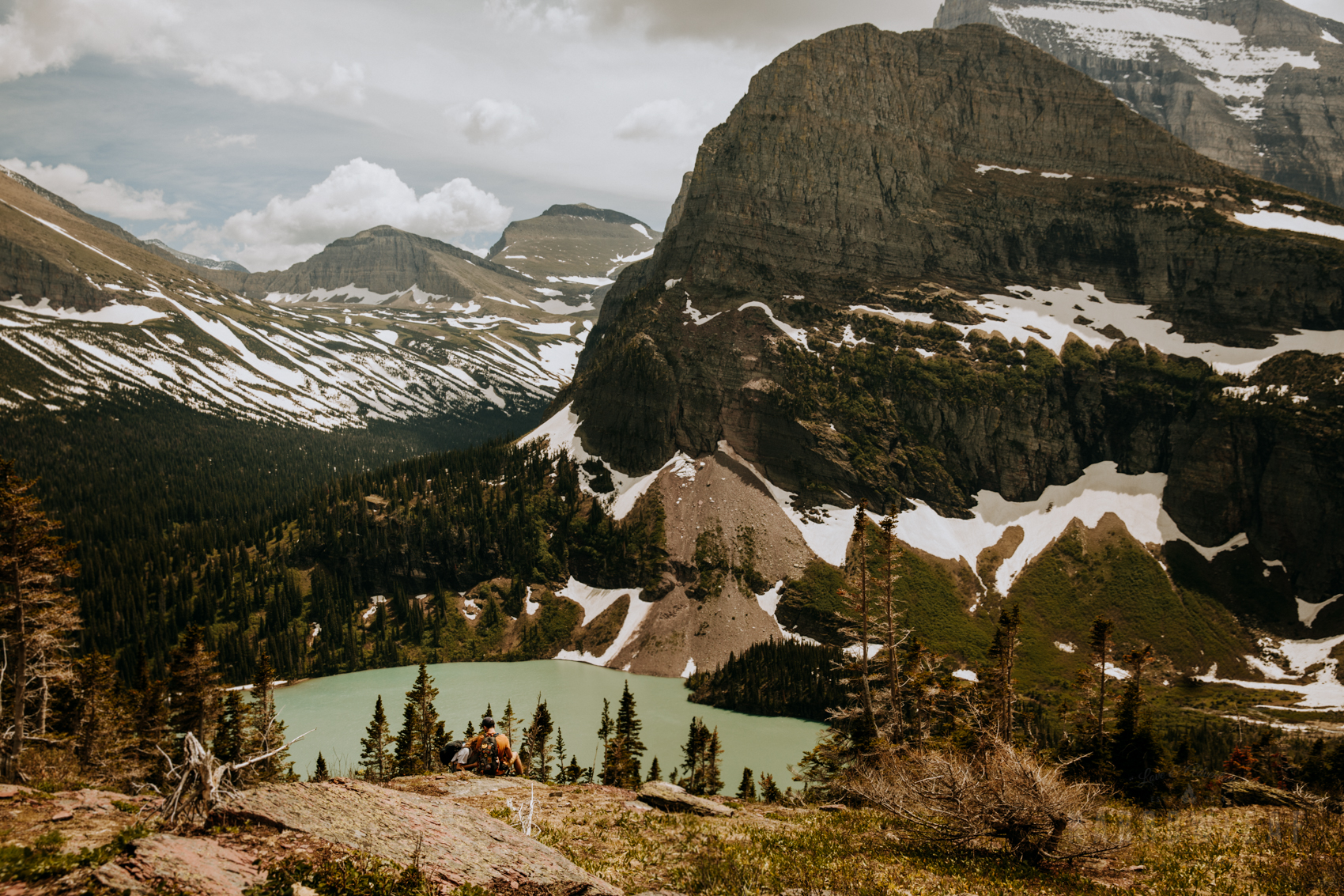 montana-glacier-national-park-mountain-hiking-engagement-session-Narrowleaf_Love_and_Adventure_Photography-9738.jpg