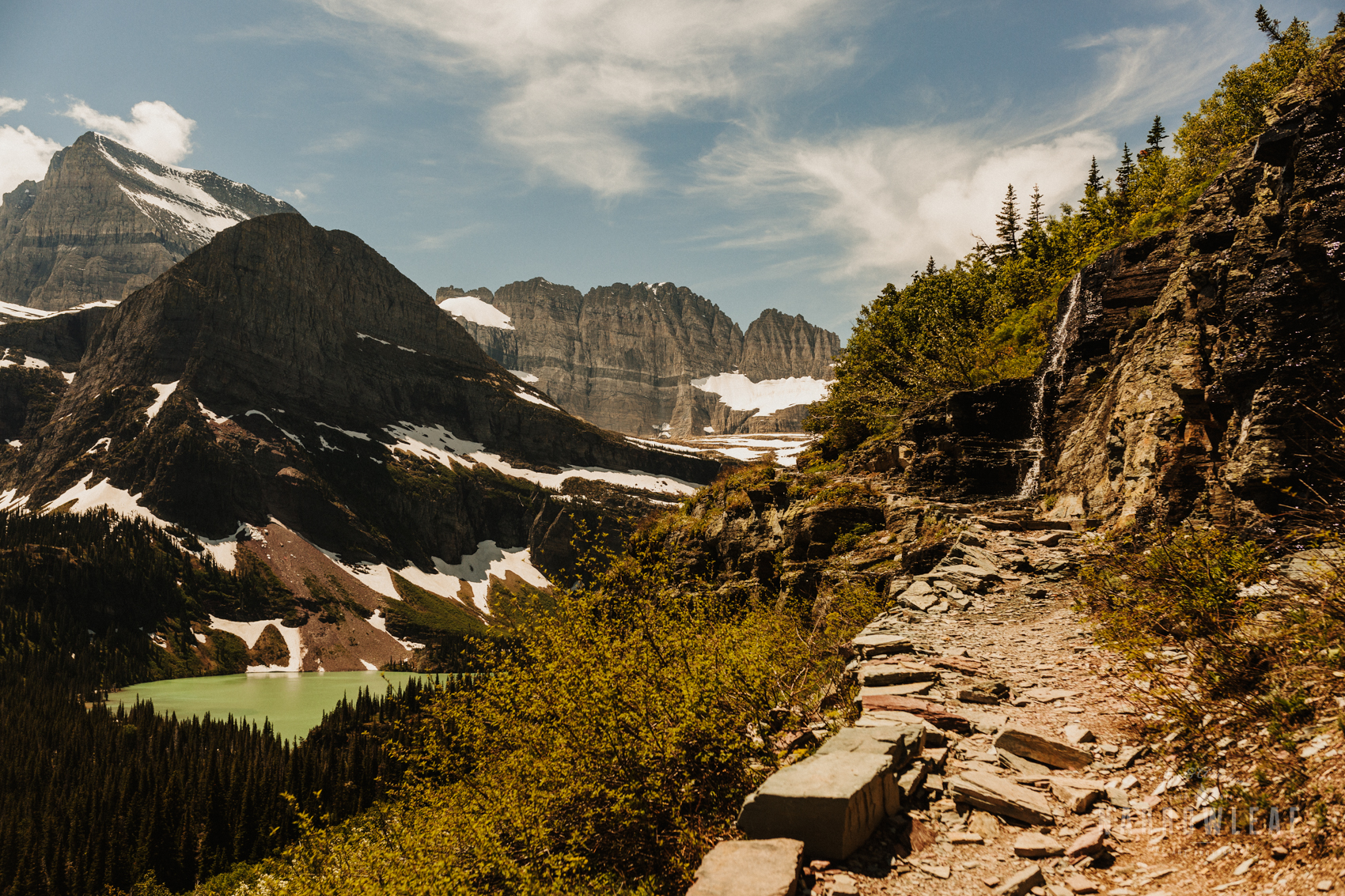 Montana-Glacier-National-Park-Many-Glacier-Narrowleaf-Love-and-Adventure-elopement-Photography-9504.jpg