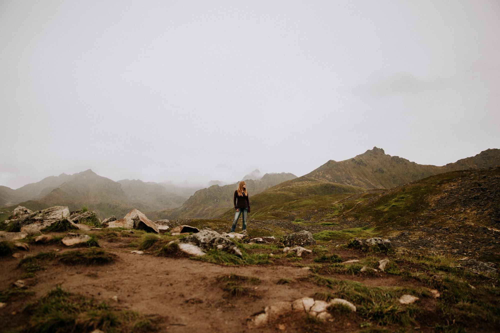 Alaska-hiking-hatcher-pass-Narrowleaf_Love_and_Adventure-elopement-Photography-18.jpg