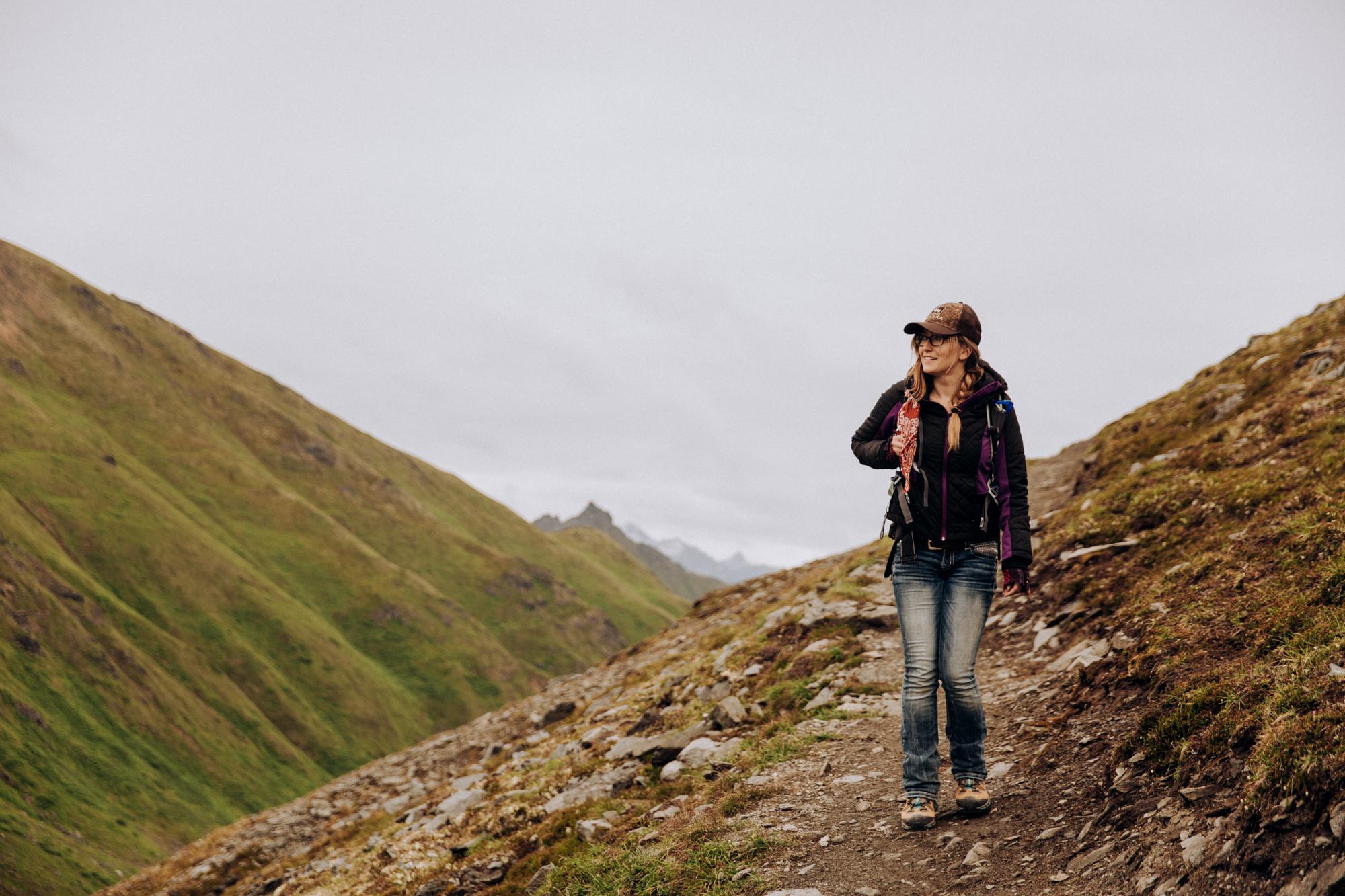 Alaska-hiking-hatcher-pass-Narrowleaf_Love_and_Adventure-elopement-Photography-32.jpg