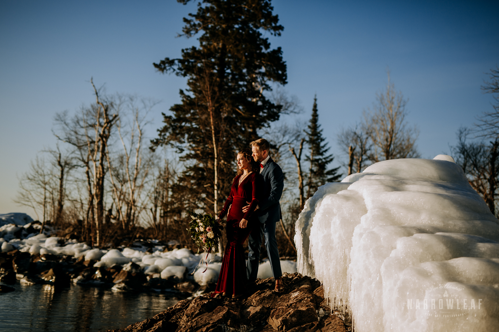 north-shore-minnesota-winter-elopement-Narrowleaf_Love_and_Adventure_Photography.jpg