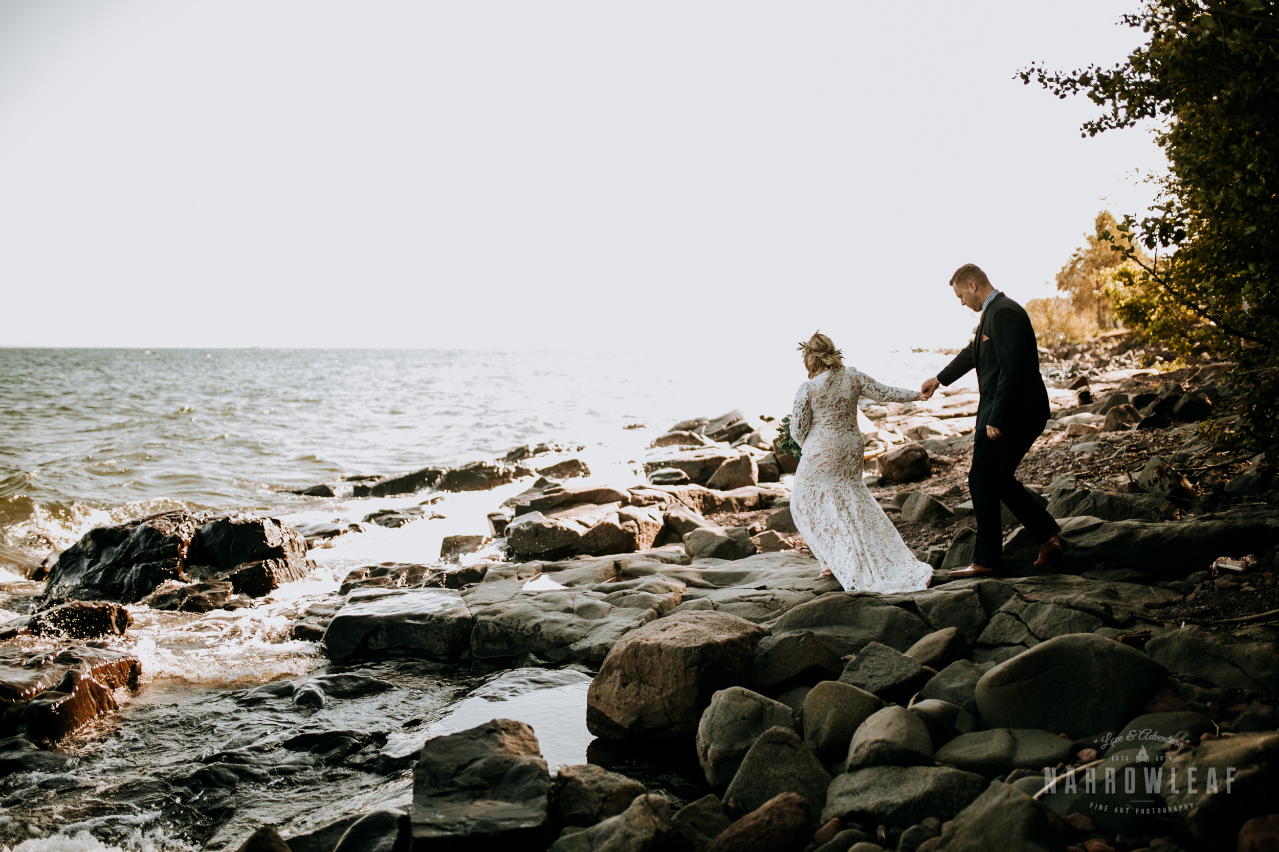 Duluth-MN-adventure-elopement-Kitchi-Gammi-Park-on-lake-superior-Narrowleaf-love-and-adventure-photography-7.jpg