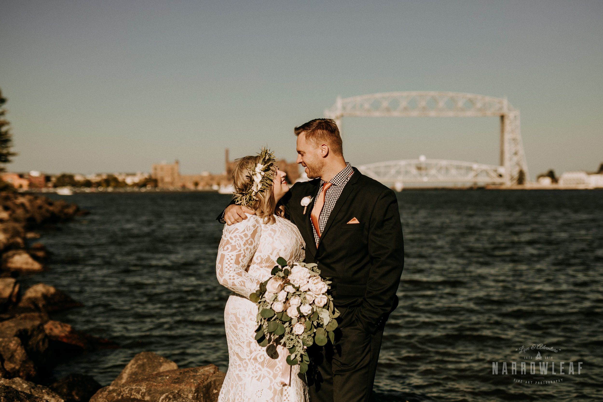 Duluth-MN-adventure-elopement-Pier-B-Resort-on-lake-superior-Narrowleaf-love-and-adventure-photography-8.jpg